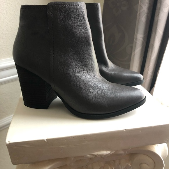 Steve Madden Shoes - Steve Madden Grey Booties, Size 7.5